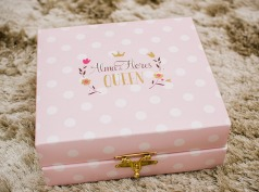 Imagem original do blog  http://chatadegalocha.com/2015/02/fofura-kit-especial-alma-de-flores-queen/