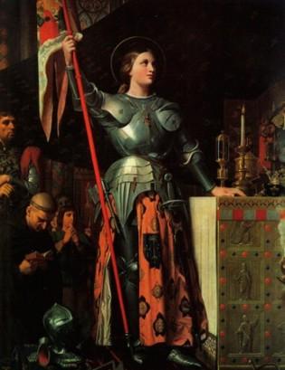 Joana D'Arc (1412 -1431) Joana D'Arc foi uma figura importante durante a Guerra dos Cem Anos, um conflito entre a Inglaterra e França, de 1337 a 1453. Ao completar 13 anos, Joana acreditava ouvir vozes que a comandavam em decisões, como ser devota, buscar a dirigir o exército francês, coroar o delfim e expulsar os ingleses da França. Com este objetivo, conseguiu cinco mil guerrilheiros franceses, derrotou os ingleses e cumpriu sua jornada com sucesso. Entretanto, a guerrilheira foi submetida a um tribunal eclesiástico, acusada de bruxaria e executada, como mandava as tradiçõe